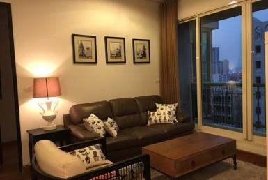 Luxury Condominium for rent 2 Bedroom Large size Chidlom