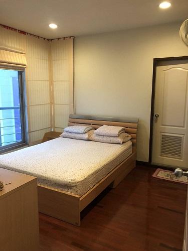Nice Garden View 2 Bedroom Closed BTS Surasak Silom