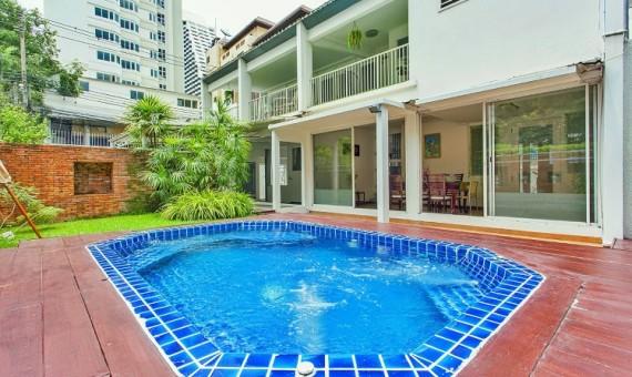 Single House with Pool in CBC 4 Bedroom Rent Ploenchit Bangkok