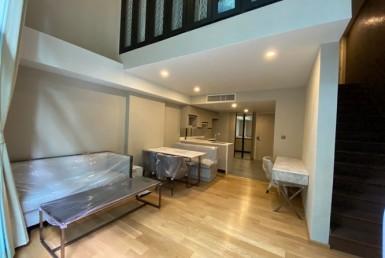 Newly Duplex 1 Bedroom Condo Sale Near BTS Chidlom Soi Langsuan