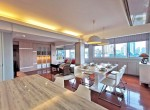 Bright Beautiful 2 Bedroom Rent Condo Phromphong