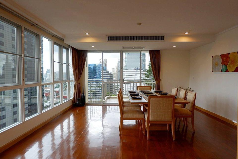 Pet Friendly Big Balcony 3 Bedroom Apartment Rent Close BTS Phromphong