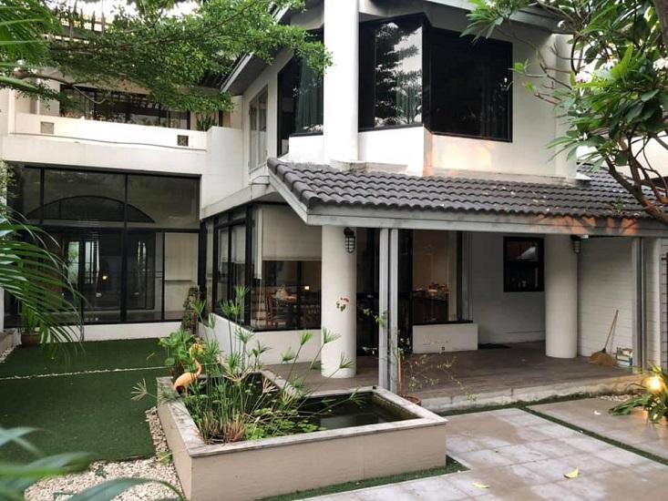 Pet Friendly Detached house 2 storey Yenarkart Sathorn