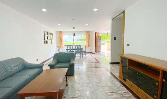Pet friendly townhouse 3 bedroom for rent in Ekamai