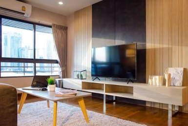 Condo Baan Ploenchit for Rent 2 Bedroom Near BTS