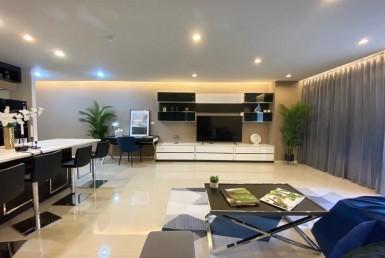 Luxury Fully Furniture 2 Bedroom Condo Rent Near BTS Ploenchit