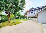 Pet Friendly new renovation single house with swimming pool 4 bedroom for rent big garden soi Pridi Sukhumvit