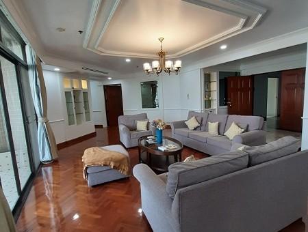 Pet Friendly Beautiful 4 Bedroom Condo Rent Phromphong Thonglor