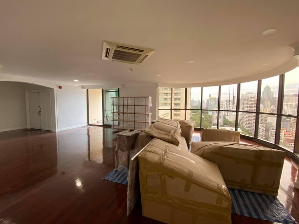 Renovated 3 bedroom Condo for rent Asoke