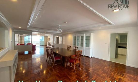 Pet friendly Apartment Rent Promphong area large unit 4 bedroom