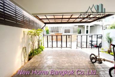 Pet friendly Townhouse 3 Bedroom For Sale Ekkamai
