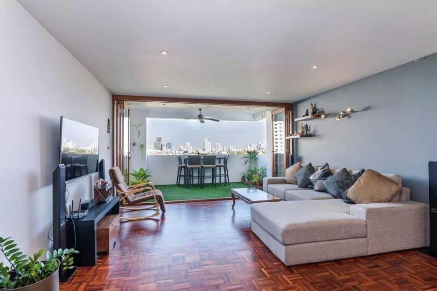 Garden City View 2 Bedroom Condo Sale Phomphong